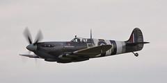 Spitfire 16 20100905 (Steve TB) Tags: canon duxford spitfire 2010 iwm supermarine ixe ta805 battleofbritainairshow eos5dmarkii