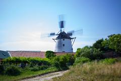 windmill spinning (Jules Marco) Tags: sky windmill canon austria sterreich wind spin himmel windy sunny sonnig niedersterreich rotary windmhle ndfilter loweraustria weinviertel retz drehen windig flickrfriday graufilter sigma1020mmf35exdchsm eos600d