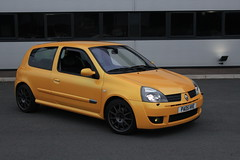 LY 182 27-06-16 013 (AcidicDavey) Tags: yellow clio renault liquid 182 renaultsport