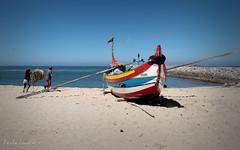 Fishing toil (Behappyaveiro) Tags: sol praia beach portugal azul mar europa barco pesca atlanticocean pescador faina espinho fishingtoil