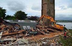 (Zak355) Tags: building tower church scotland construction scottish demolition steeple digger bute rothesay isleofbute craigmore knockingdown stbrendans