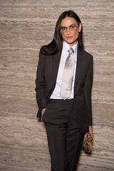 Demi Moore 1 (drno_manchuria (simonsaw)) Tags: demimoore actress actriz traje camisa corbata tie suit shirt necktie terno suitup menswear silver plateada knot nudo gravata cravata kravata krawatta pantalones negro black encorbatada