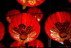 | the glow of red lanterns i (Chez C. - busy..) Tags: red temple chinese cny lanterns hanging tradition  nikond600