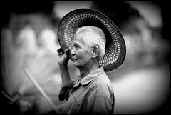 My hat's off to you! (JackDimmit) Tags: street portrait blackandwhite bw canon thailand temple retrato 85mm pb thai wat chai f12 6d yai mongkhon