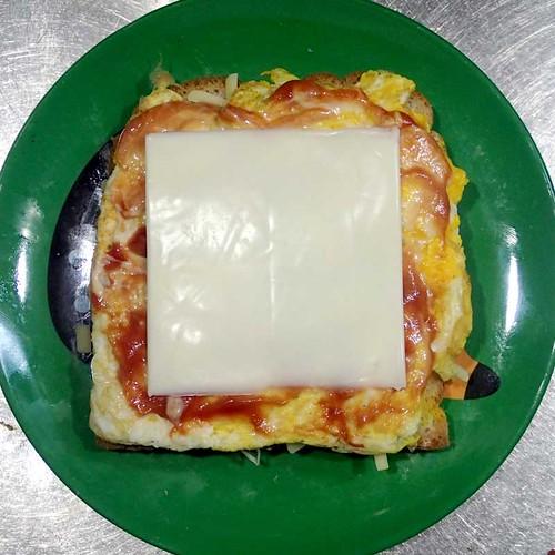 卵とチーズのサンドウィッチ