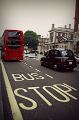 (Evita.Polidoro) Tags: road autumn london canon photography eos taxi busstop londra ef 1000d