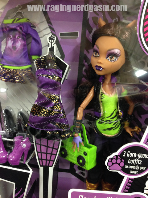 Monster High Toys R Us Exclusive 3 Gore-geous outfits Clawdeen Wolf Daughter of the Werewolf (1)