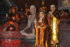 DSC_0301 (claudia.schillinger) Tags: chuathay vietnam pagoda figuren buddha