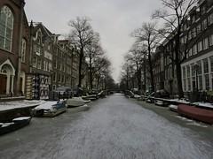 IMG_0099 (JoStof) Tags: winter ice amsterdam canal skating schaatsen bloemgracht {vision}:{outdoor}=0977 {vision}:{mountain}=0668 {vision}:{snow}=0622 {vision}:{street}=0975