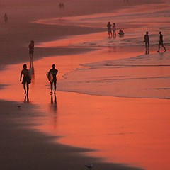 surfers paradise #5 (gregjack!) Tags: sunset sea people colour reflection beach water surfer wave australia byronbay goldcoast