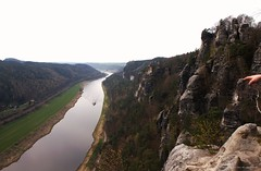 River Elbe (Ivan Mauricio Agudelo Velasquez) Tags: mountain rio river barco ship alemania sajonia