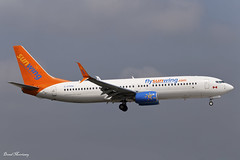Sunwing Airlines 737-800 C-FFPH (birrlad) Tags: ireland summer dublin wet season de airplane airport aircraft aviation airplanes landing international finals airline thomson boeing arrival split airways approach airlines mallorca palma runway dub airliner ops lease 737 scimitar arriving b737 737800 b738 sunwings 73781d cffph tom1633