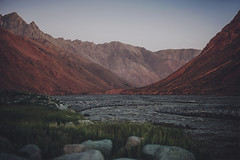 Intervalo (JavierAndrs) Tags: trip travel viaje light sunset shadow sky naturaleza man mountains cold verde green luz nature water argentina weather vertical ro creek river landscape atardecer person persona 50mm agua nikon rocks stream mood moody stones meadow peak sombra paisaje explore mendoza cerro journey cielo pico andes prado nikkor colina montaa range fro hombre rocas arroyo cordillera montaas cima piedras viajar d800 clima atmsfera ladera tunuyan travesa explored crucedelosandes