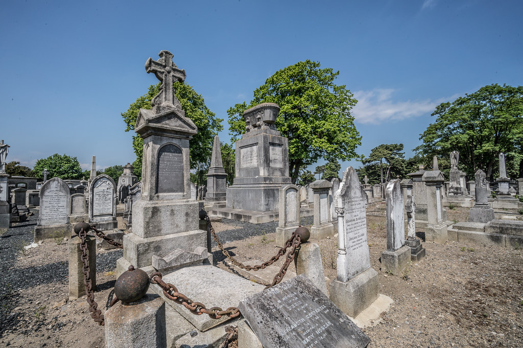 MOUNT JEROME CEMETERY AND CREMATORIUM IN HAROLD'S CROSS [SONY A7RM2 WITH VOIGTLANDER 15mm LENS]-117056