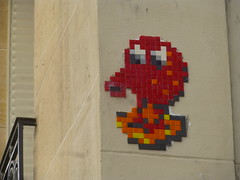 PA 0369 ractiv / Space Invader (avril 2016) (Archi & Philou) Tags: streetart spaceinvader pixelart paris11 ractivation