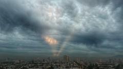 Amanecer desde el poniente #day #light #braveclouds #photography #firstlight (Camila Rojas Esparza) Tags: light photography day firstlight braveclouds
