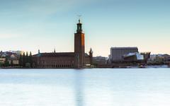 Stockholm Stadshuset (redfurwolf) Tags: light sky water sunrise europe waterfront sweden stockholm cityhall radisson sthlm stadshuset cityview sonyalpha sal70200g2 redfurwolf