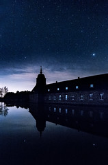 Castle Lembeck (thoma.melanie) Tags: sky castle night germany stars landscape nightscape nightshot outdoor melanie astro astronomy nightsky schloss could estrella sterne thoma lembeck astroscape astrolandscape