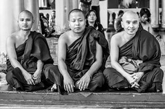 IMGP7776 (Montre ce qu'il voit!) Tags: gold golden yangon religion buddhism mm budda boudhisme myanmarbirmanie yangonregion
