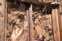 La puerta del infierno 9 (roshua_quest) Tags: plaza sculpture art mxico arte escultura museo mx rodin auguste carso ciudaddemxico soumaya