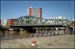 Bremerhaven Analog 2016 (01) (Hans Kerensky) Tags: old bridge 120 film 35mm canon lens scanner 7 200 jupiter12 28 dm bremerhaven alte paradies plustek opticfilm lzos geestebrcke 2650ppi