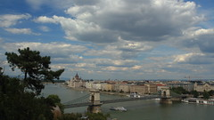 Budapest, Duna / Danube (bencze82) Tags: city travel summer castle canon river eos hungary budapest mm 20 voigtlnder vr magyarorszg f35 colorskopar vros nyr foly 700d slii dunadanube