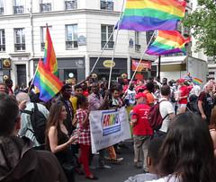 ARDHIS - Pour le droit d'asile des LGBT persécutés (Jeanne Menjoulet) Tags: marchedesfiertés lgbt paris 2juillet2016 lesbiangaypride gay lesbiennes trans gaypride pride ardhis droitdasile persécutés migrants lbgt