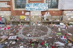 """03 - """"Peace for Paris [Paix pour Paris]"""" (19/11/15) (AMToulouse) Tags: toulouse placeducapitole archivesmunicipales jesuischarlie 13novembre2015 tmoignagesattentats"""