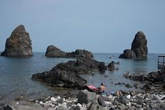 DSC_0764 Acitrezza Spiaggia dei Ciclopi (alessandro.rodilosso) Tags: mare estate viaggio vacanza scogliera