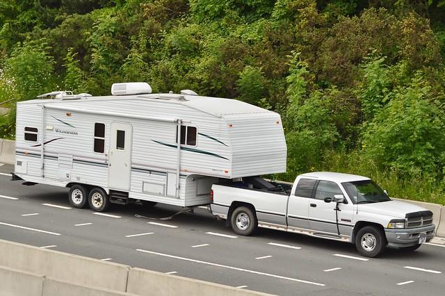 dodge caravan m4 dodgeram p479jbc fleetwoodtraveltrailer