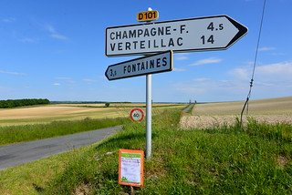 Plus que 4,5 km pour y boire une bonne cuvée de champagne ou plus que 3,5 Km à Fontaine pour se débarbouiller le visage