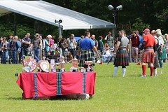 5D3_0601 (Ronnie Macdonald) Tags: scotland kilt highlandgames luss ronmacphotos