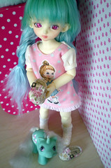 I have shoes and a baby pony (firexie) Tags: pink baby eyes doll teal clothes elf pony wig 80s bjd bling atm kumi mlp wiggles atelier souldoll leekeworld bambicrony ateliermomoni momoni artwig