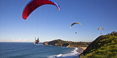 Warriewood Hanggliders 3 (threepeaksphotography) Tags: sydney hanggliding northernbeaches warriewood sydneysnorthernbeaches warriewoodbeach hangglidingsydney