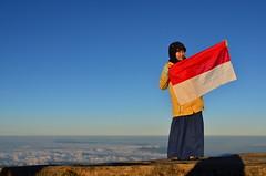 Dirgahayu Republik Indonesia (qefy) Tags: indonesia hiking hijab gunung awan sahabat kuningan langit agustus mendaki bendera persahabatan liburan semangat merahputih jawabarat renungan ciremai kebersamaan pegunungan flowerofislam muncak gunungciremai puncakgunungciremai pendakiangunungciremai