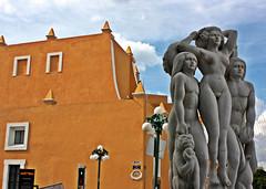 Familia (Campanero Rumbero) Tags: city trip travel family art familia mexico day arte ciudad dia escultura puebla turismo