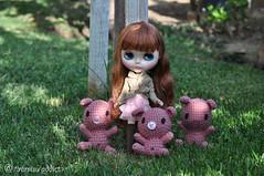 Monique + 3 Little Piggies