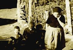 Rosa Ramalho (Cogitao - cogito ergo sum) Tags: family ceramica art history portugal work ceramic europa europe famiglia kunst familie rosa cermica picasso pottery  braga nationalgeographic antropology portogallo pablopicasso  keramik minho barcelos  ramalho antropologia antropologa    casimiro  etnografia   etnologia     etnology lnguaportuguesa cramiques    maravilhasdeportugal  antnioramalho  rosaramalho jliaramalho fabianooliveira casimirobarbosalopes galegosdesomartinho teresaramalho