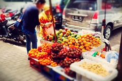fruits seller (028/365 #2015) (matamayke) Tags: seller culinary fruitseller blokm buah melawai