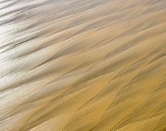 WavePlay.jpg (Klaus Ressmann) Tags: autumn abstract beach design olympus minimal system klaus omd waterreflection em1 softwaves ressmann omdem1 flcabsnat foleron klausressmann olympusomdsystem