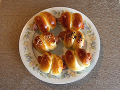 (angelina_koh) Tags: food bread yummy gourmet delicious buns pastry homecooked sesameseeds breadrolls