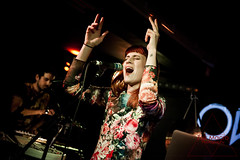 Owlle (Zak Macro) Tags: lighting music paris macro green london french photography photo pub nikon photographer arms live gig north band pic bethnal zak sebright lodnon d700 owlle