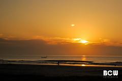 Um novo dia... (B[C]W - B r u n o) Tags: sol praia water paran brasil contraluz mar areia orla natureza sombra paisagem cu silueta siluetas amanhecer horizonte oceano nascer matinhos barcopesca ruapraia infinitexposure