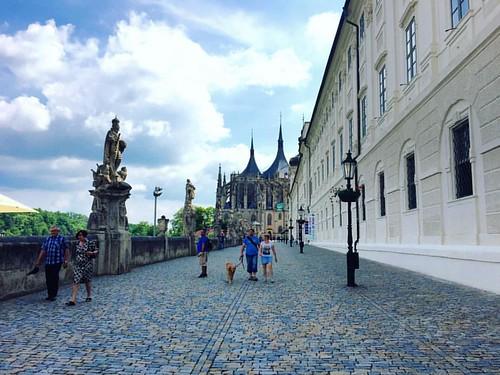 #saintbarbaraschurch #czechrepublic #kutnahora #church #walkway #travel #travelphotography #wanderlust #czech #europe