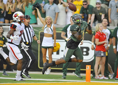 Diving Catch - #4 Baylor vs. Lamar (akmcafee9) Tags: green college sports 1 us football nikon university texas waco action tx bears diving nike 300mm division nikkor baylor ncaa touchdown receiver d3 big12 bigxii sicem coreycoleman mclanestadium
