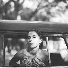 Out the Window (Luis Montemayor) Tags: woman girl car forest model chica boobs bokeh havana cuba modelo bosque habana bubis bubies