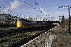 NS ICMm 4020 en een onbekende ([Publicer Transport] Ricardo Diepgrond) Tags: modern ns den 1900 venlo haag trein intercity centraal koploper 4020 materieel icmm