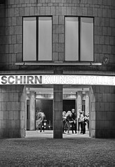 Schirn Kunsthalle (stephan.hickisch) Tags: city light people urban building night germany evening frankfurt main financial metropole arthall schirnkunsthalle
