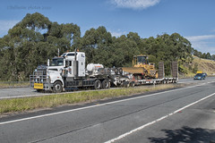 North Queensland Heavy Haulage (Full Noise Photos) Tags: low north group queensland drake float loader heavy kenworth haulage nq t904