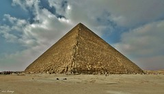 Gran Pirmide - Guiza (Luis Bermejo Espin) Tags: travel egypt desierto egipto pirmides momias guiza faraones faran desiertos antiguoegipto egiptologa antiguascivilizaciones luisbermejoespn